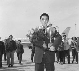 Чемпион настольного тенниса Rong Guotuan фото